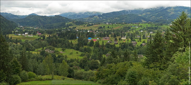 IMG_1172_Panorama-1200 Подорожі Україною: Топ-10 найцікавіших сіл у Карпатах
