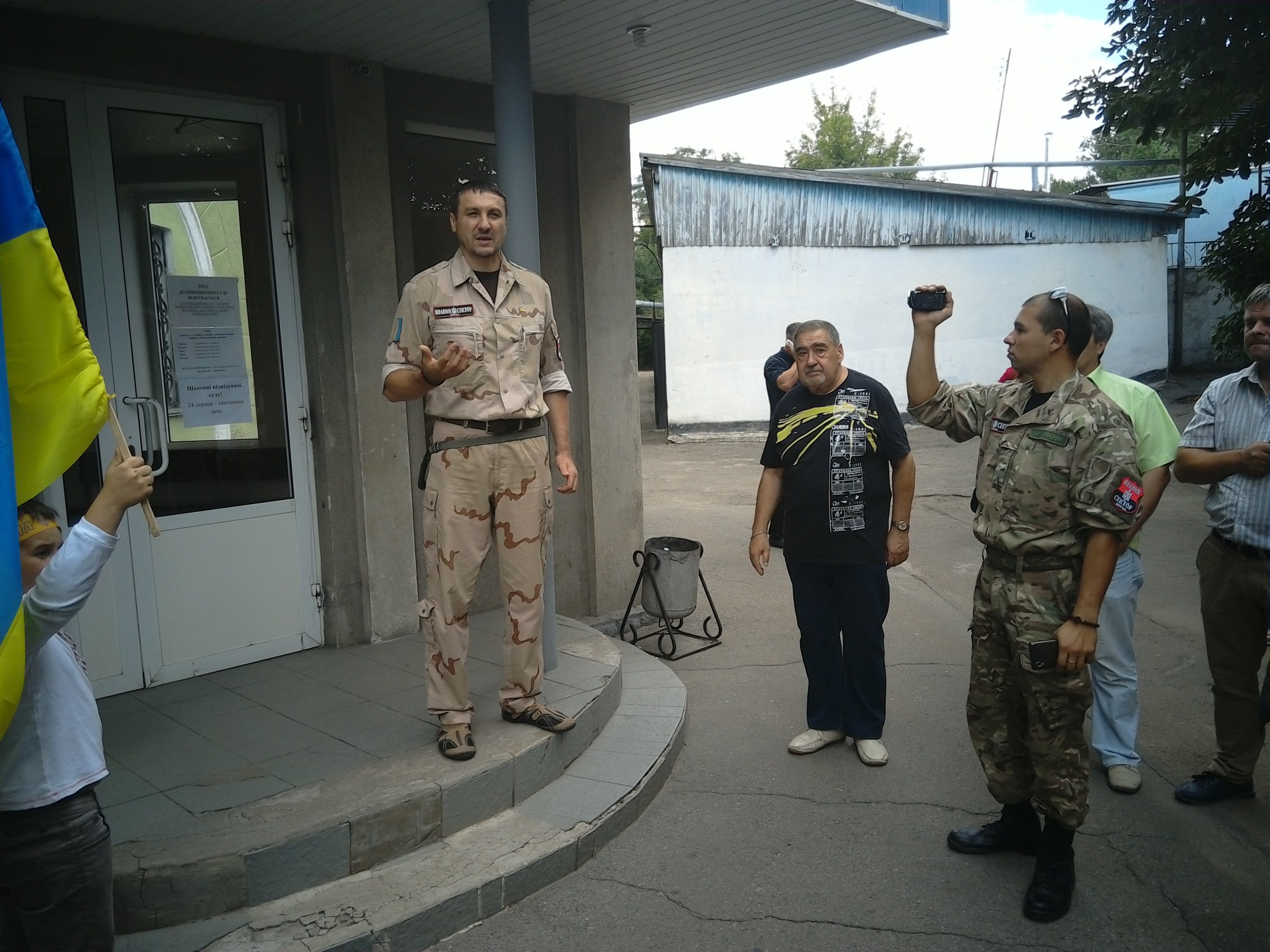 """У Краматорську активіста """"Правого сектора"""" відпустили під домашній арешт - фото 3"""