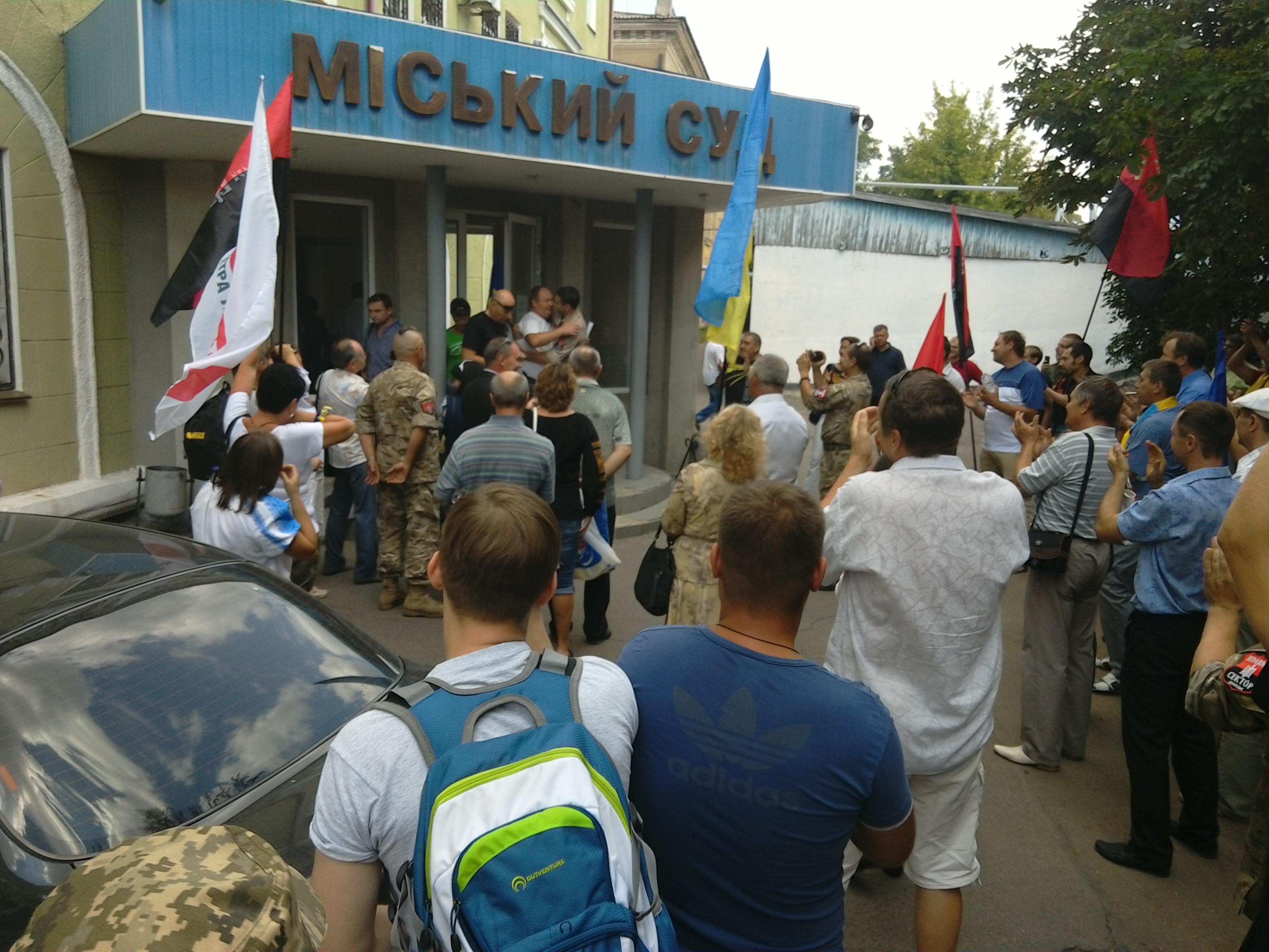 """У Краматорську активіста """"Правого сектора"""" відпустили під домашній арешт - фото 2"""