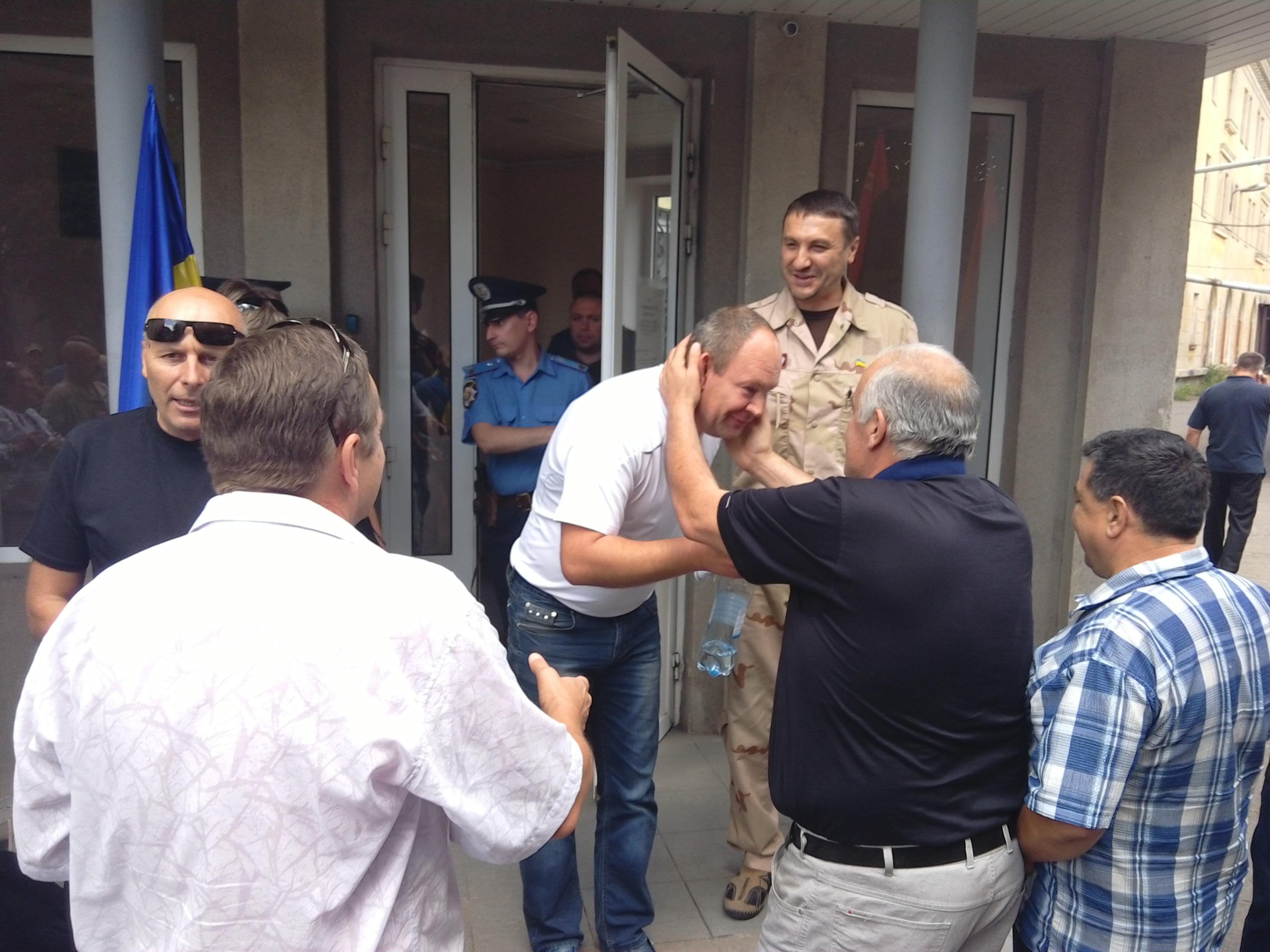 """У Краматорську активіста """"Правого сектора"""" відпустили під домашній арешт - фото 4"""