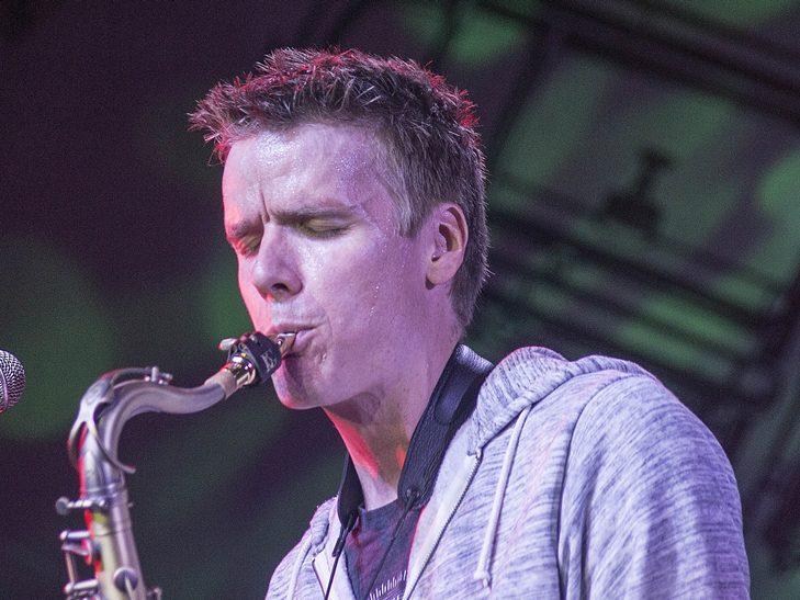 У Вінниці американський джазмен грав на саксофоні і співав одночасно  - фото 9