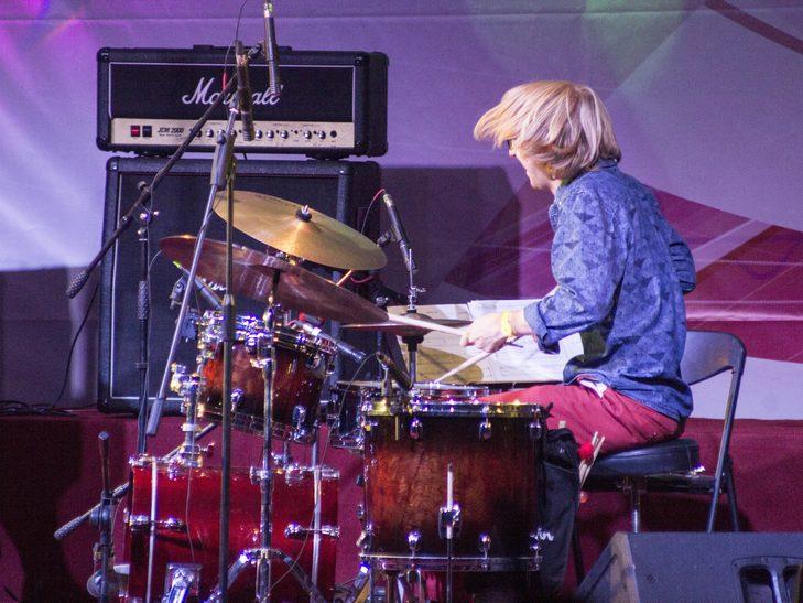У Вінниці американський джазмен грав на саксофоні і співав одночасно  - фото 4