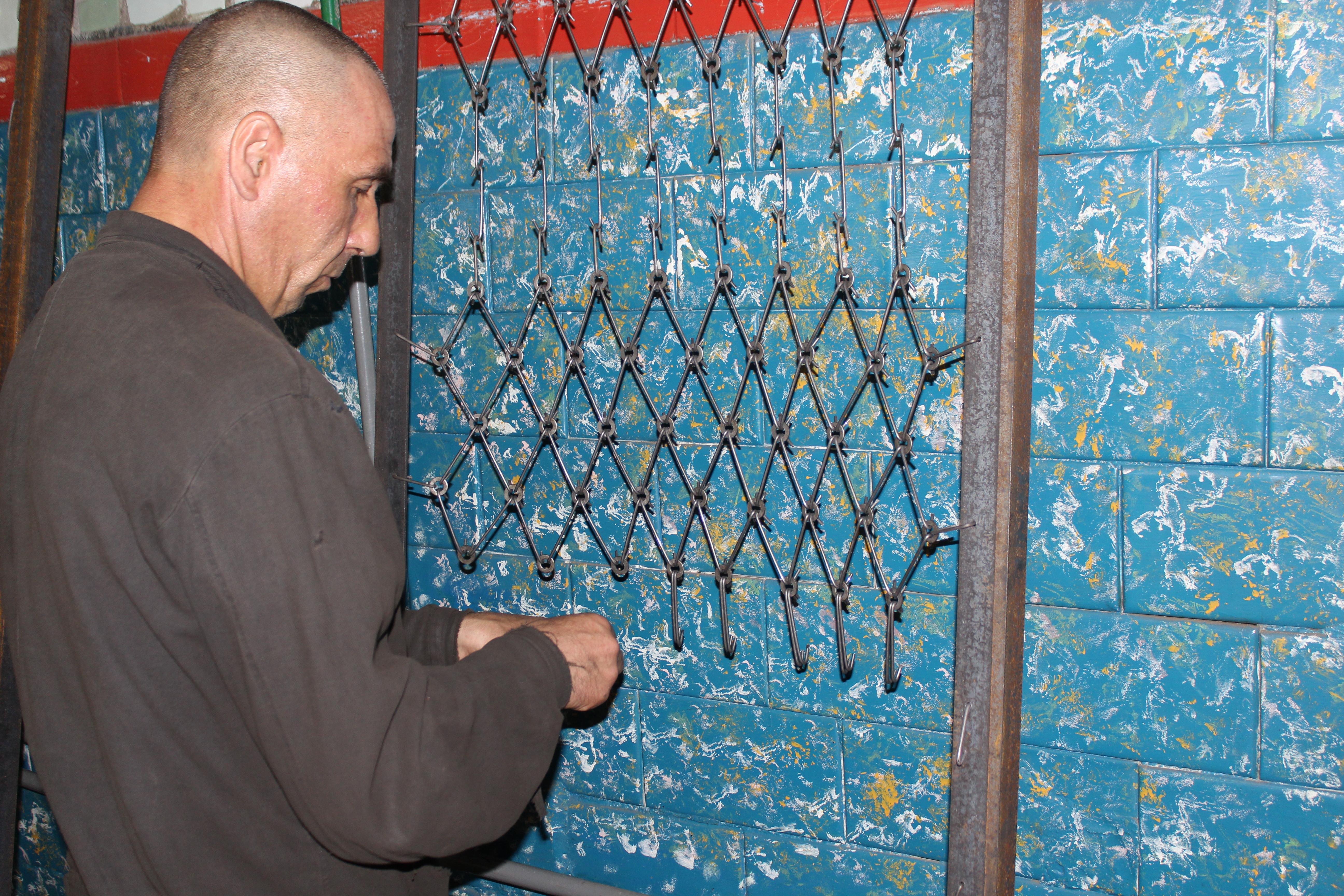 Харківські в'язні забезпечать військових ліжками  - фото 2