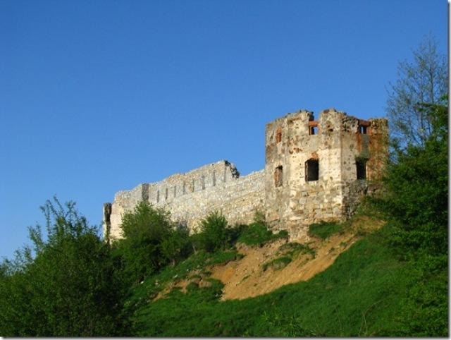 Скарби, привиди-мучителі і підземні ходи: Про що можна дізнатися у мурах Пнівського замку - фото 2