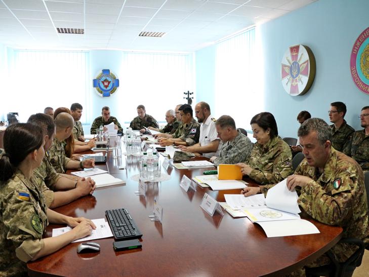Кам'янець-Подільський відвідали іноземні військові дипломати - фото 1