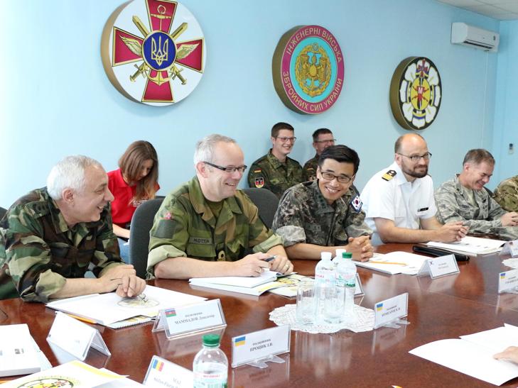 Кам'янець-Подільський відвідали іноземні військові дипломати - фото 2