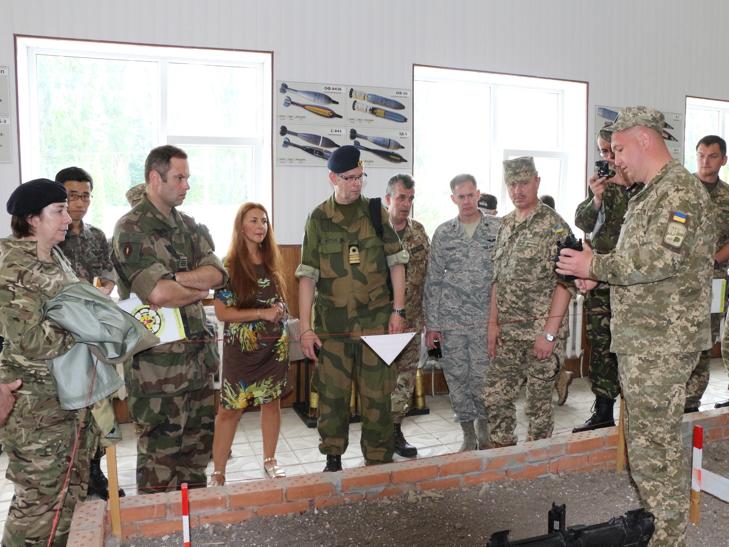 Кам'янець-Подільський відвідали іноземні військові дипломати - фото 3