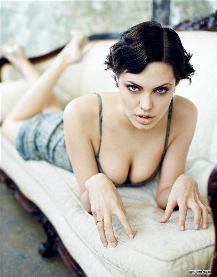 Кожній країні по Анджеліні: Як виглядають двійники Анджеліни Джолі - фото 19