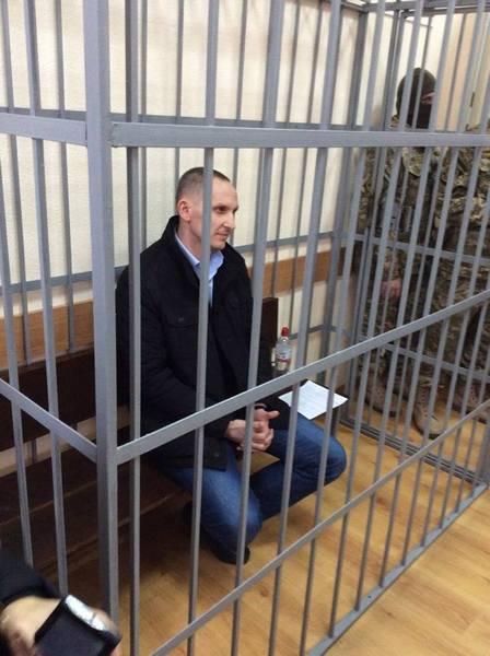 Шевцов з посмішкою зайшов до судової зали - фото 2