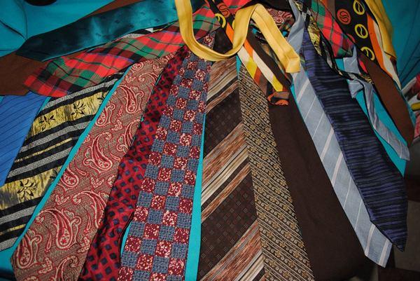 У стилі бохо-шик: одяг та прикраси з краваток  - фото 8