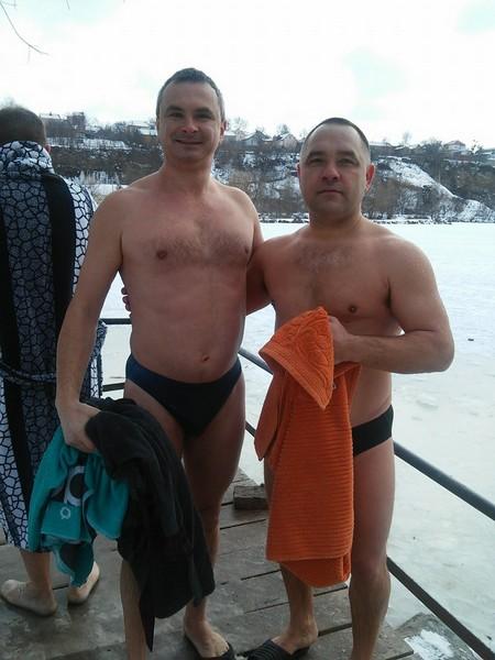 В гірську річку та в ополонку - де та як вінницькі ВІПи купалися на Водохреща   - фото 3