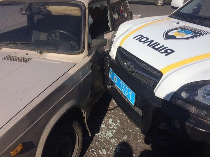 Харківські копи розбили ще одне службове авто  - фото 2