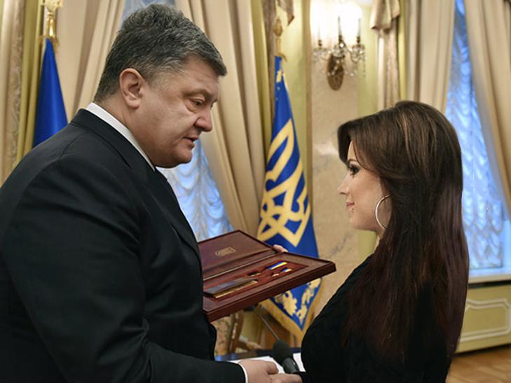 Порошенко нагородив Лорак героєм України за концертну діяльність (ФОТОФАКТ) - фото 1