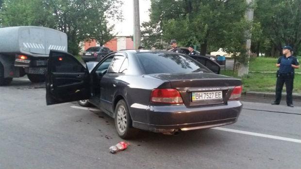 На Нових Будинках іномарка протаранила автоцистерну, - очевидці - фото 2