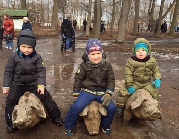 Як на Росії святкували Масляну в болоті  - фото 9