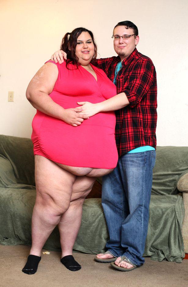 Як дівчина з вагою 300 кг об'їдається, аби стати найтовстішою у світі - фото 6