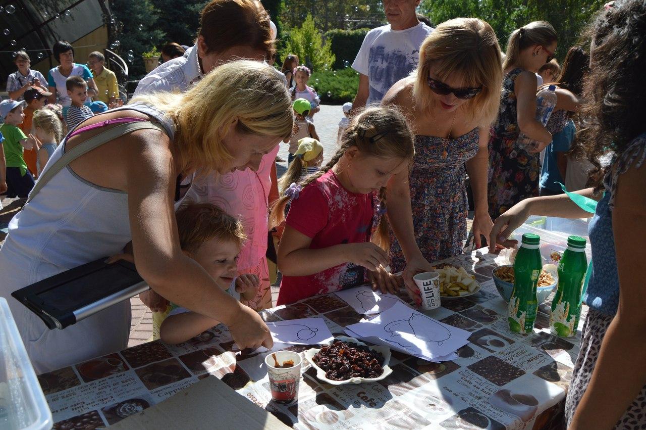 Як звірі у Миколаївському зоопарку поздоровляли городян з Днем міста - фото 2