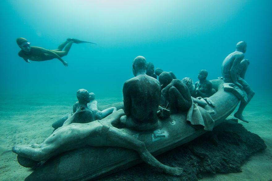 Як виглядає підводний музей в Атлантичному океані  - фото 3