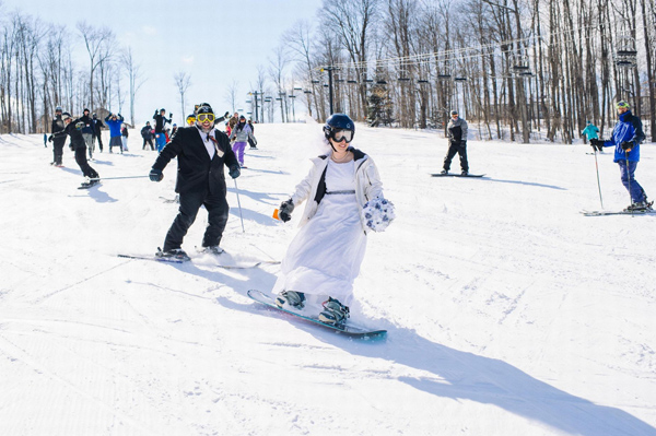 """Результат пошуку зображень за запитом """"весілля на лижах"""""""