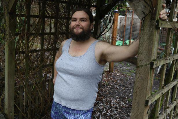 Як 39-річна жінка відпустила бороду - фото 4