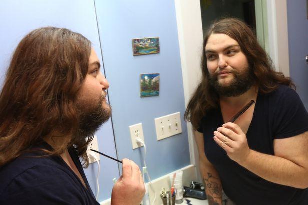 Як 39-річна жінка відпустила бороду - фото 2