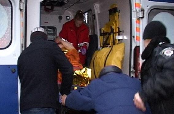 У Києві чоловік зарізав 12-річного племінника і викинув тіло з балкону (ФОТО 18+) - фото 5