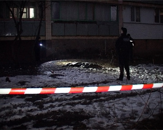 У Києві чоловік зарізав 12-річного племінника і викинув тіло з балкону (ФОТО 18+) - фото 2