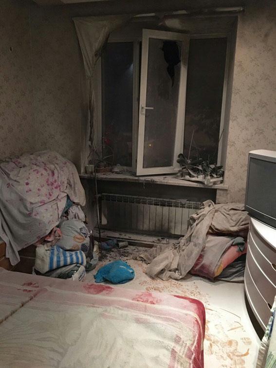 У Харкові миколаївські рекетири ледь не спалили квартиру боржника (ВІДЕО, ФОТО)  - фото 1