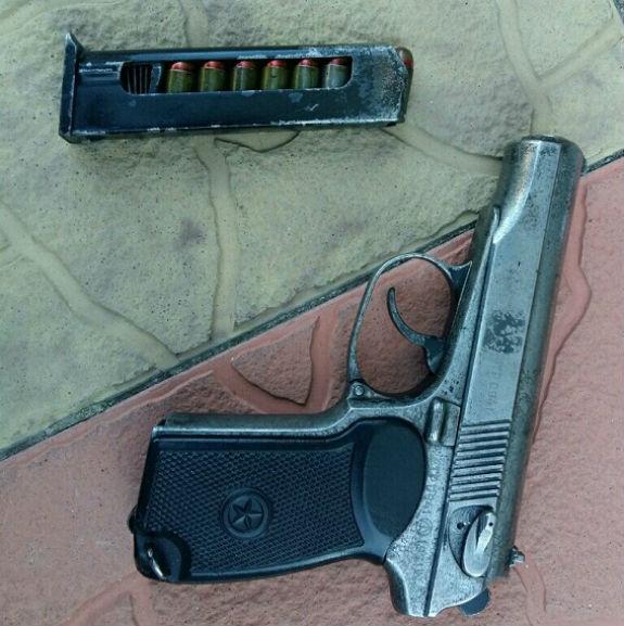 Столична  поліція вилучила арсенал зброї, привезений із зони АТО - фото 1