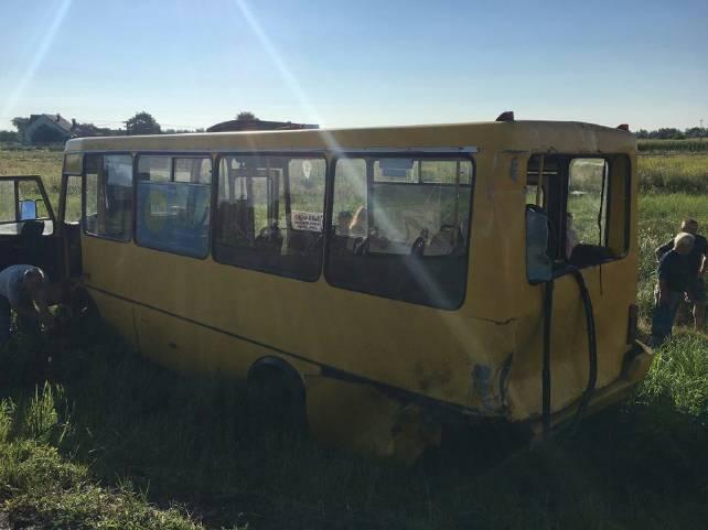На Львівщині у ДТП потрапив екскурсійний автобус з дітьми з Миколаївщини