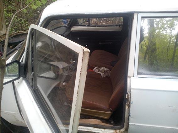 На Вінниччині злодії викрали автівку, продукти та влаштували застілля - фото 2