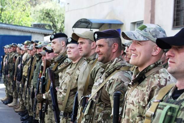Вінницькі правоохоронці повернулись зі Сходу - фото 1