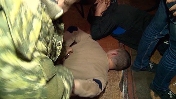 Працівниця кафе на Західному автовокзалі влаштувала бордель та грабувала вінничан - фото 1
