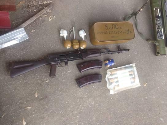 На Київщині знайшли великий арсенал зброї із АТО - фото 1