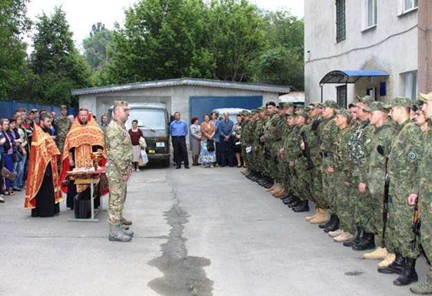 Вінницькі поліцейські поїхали виконувати бойові завдання в АТО - фото 1