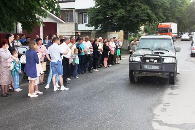 Вінницькі поліцейські поїхали виконувати бойові завдання в АТО - фото 3