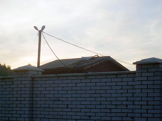 На Харківщині оприлюднили фото обстріляної з гранатомета будівлі (ФОТО, ВІДЕО) - фото 2