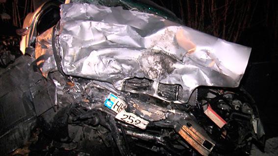 На Вінниччині в жахливій аварії загинули двоє людей - фото 1