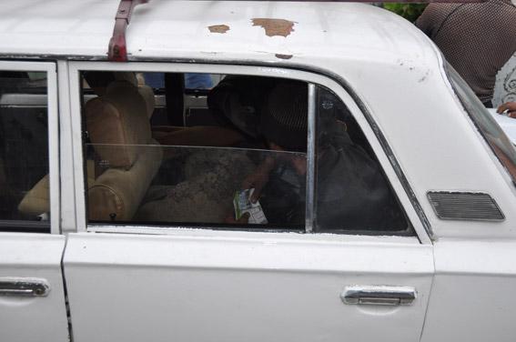 Миколаївська сімейна пара примушувала жебракувати херсонського інваліда