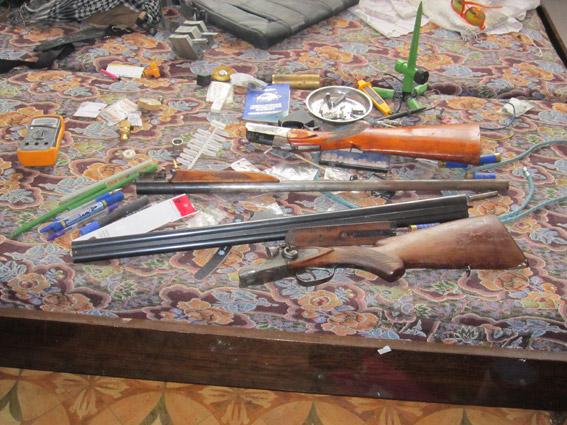 У Миколаєві озброєний наркоман налагодив вдома виробництво амфетаміну - фото 3