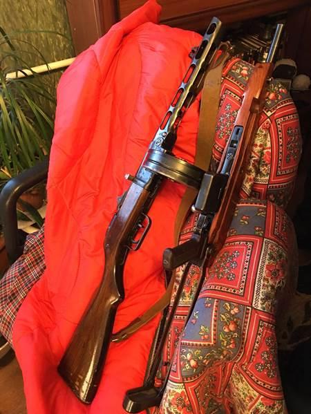 Мешканець Києва привіз із зони АТО кулемет та цілий арсенал зброї (ФОТО) - фото 2