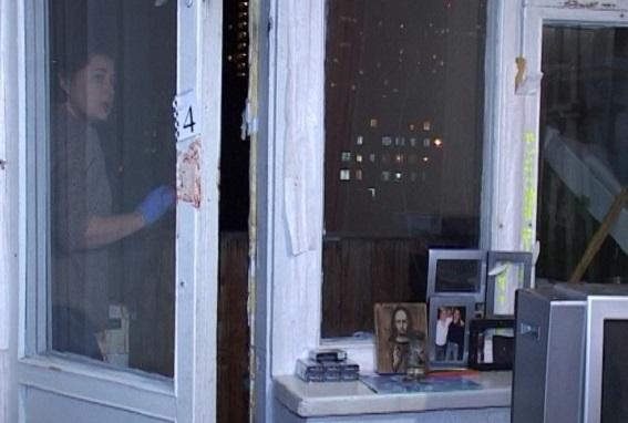 У Києві чоловік зарізав 12-річного племінника і викинув тіло з балкону (ФОТО 18+) - фото 4