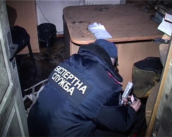 Поліція показала спалений кабінет судді ГРУшників  - фото 5