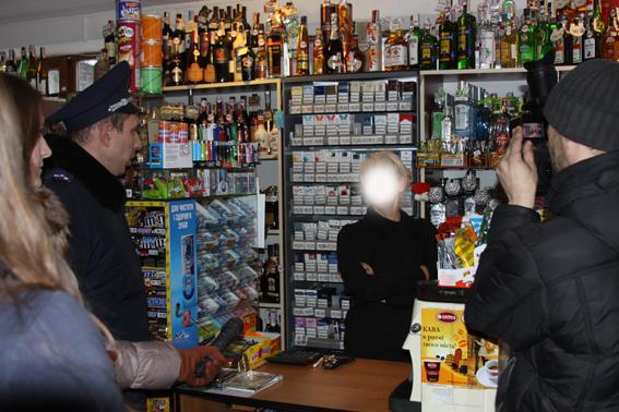 У вінницьких магазинах дітям продають спиртне та цигарки - фото 1