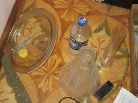 У Миколаєві озброєний наркоман налагодив вдома виробництво амфетаміну - фото 1