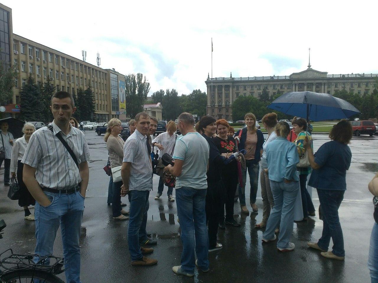 Goodbye МерікOFF: у Миколаєві вимагають від Порошенка звільнення голови ОДА - фото 3