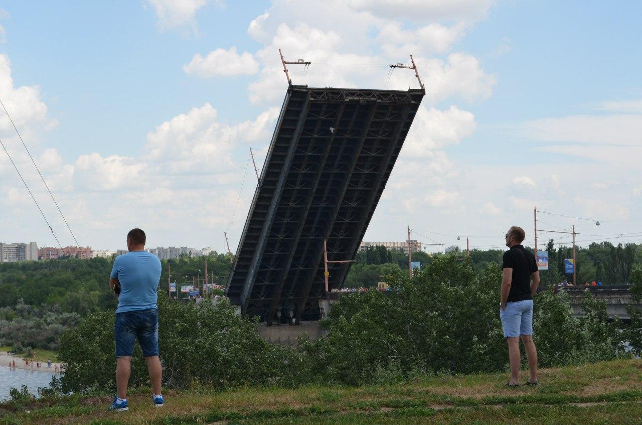 Як у Миколаєві розводили мости