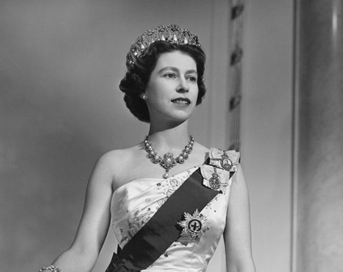 Як старіє Єлизавета ІІ: найяскравіші фото від дитинства і до сьогодні  - фото 9
