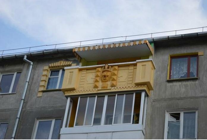 ТОП-20 балконів, володарі яких плювали на оточуючих - фото 17
