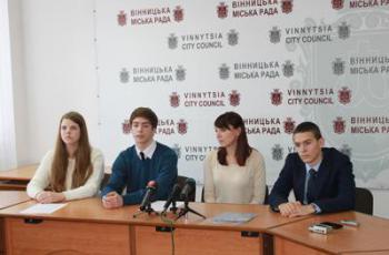 Українські школярі хочуть замість випускного допомогти бійцям АТО - фото 3